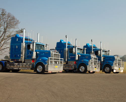 lyons transport trucks